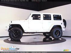 2011 Jeep Wrangler Unlimited Sahara 4x4 Bright White / Black Photo #4