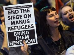 """ONU diz estar preocupada com notícias de """"remoções forçadas"""" no centro administrado por Camberra na ilha da Papua Nova Guiné, depois de centenas de requerentes de asilo terem passado três semanas ali barricados por temerem ataques da população local caso fossem transferidos http://expresso.sapo.pt/internacional/2017-11-24-Australia-confirma-retirada-de-refugiados-de-centro-de-detencao-em-Manus/"""