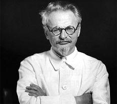 Libros Leon Trotsky - En defensa del marxismo  Estos materiales representan las intervenciones de Trotsky en una polémica interna al Socialist Workers Party de los Estados Unidos en 1939-1940 respecto al carácter de la Unión Soviética, la posición correcta frente a conflictos mundiales, y la relación entre método marxista y práctica revolucionaria, que culminó con la escisión de una minoría del partido agrupada en torno a los intelectuales James Burham, Martin Abern y Max Shachtman.
