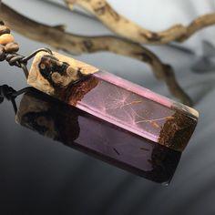 Ein persönlicher Favorit aus meinem Etsy-Shop https://www.etsy.com/de/listing/583155325/resin-wood-necklacedandelionrosa