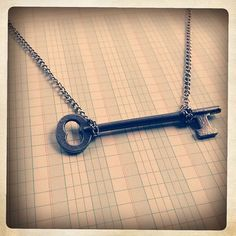 i adore old keys...fabulous way to use them