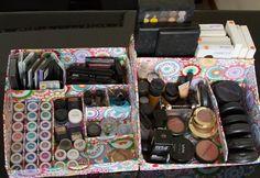 Como fazer um organizador de maquiagem. Quando você toma o gosto por maquiagem, é normal que a compra desses itens quase vire vício. Parece que falta sempre mais alguma coisa, e o que realmente acaba faltando é espaço e organização. Se você...