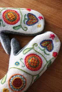 Like the idea of combining traditional patterns to a practical product Blackwork Embroidery, Wool Embroidery, Wool Applique, Cross Stitch Embroidery, Embroidery Patterns, Machine Embroidery, Yarn Crafts, Felt Crafts, Fabric Crafts