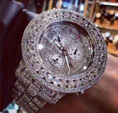 Big boy watch. #traxnyc #rich #watch #joerodeo #nyc #diamonds