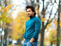 Today Stylish Star Allu Arjun is celebrating his birthday. This one is so special for Bunny as he has scored a massive block buster with Ala Vaikunthapuramulo a Famous Indian Actors, Indian Celebrities, Actor Picture, Actor Photo, Allu Arjun Hairstyle, New Photo Style, Allu Arjun Wallpapers, Dj Movie, Allu Arjun Images
