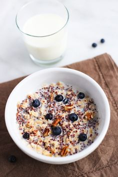 An easy upgrade for your morning oats: add quinoa and make with milk! Loving this nutty blueberry combo lately. #sponsored