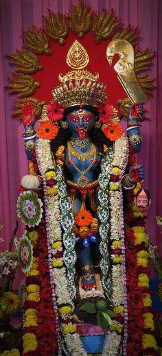 Indian Goddess Kali, Durga Goddess, Kali Hindu, Durga Maa, Durga Saptashati Book, Maa Kali Images, Kali Statue, Mother Kali, Kali Mata
