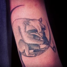 Smokey the nightraccoon for Daan #raccoon #tattoo #dotwork #dotworkers #kimrense #papanatos