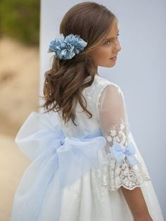 Flower Girl Dresses Boho, Baby Girl Party Dresses, Little Girl Dresses, Baby Dress Design, Designs For Dresses, Dress Hairstyles, Christening Gowns, Communion Dresses, First Communion