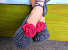 The easiest crochet slippers | The Green Dragonfly