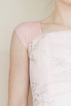 DIY: Easy Way to Add Sleeves to a Prom Dress |do it yourself divas