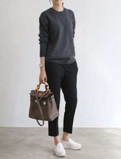 Casual Winter Outfits Ideas With Black Pants To Copy ASAP You are in the right place about Fashi Casual Chic Outfits, Work Casual, Fall Outfits, Cute Outfits, Fashion Outfits, Office Outfits, Smart Casual, Casual Wear, Work Fashion