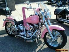 Pink! Harley Davidson Custom, Classic Harley Davidson, Harley Davidson Motorcycles, Pink Motorcycle, Motorcycle Style, Motorcycle Gear, Motorcycle Paint, Hummer, Moto Logo