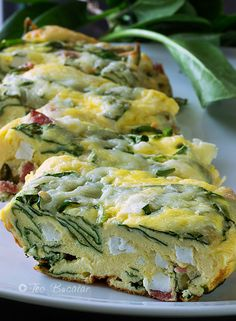 frittata cu spanac si branza Baby Food Recipes, Great Recipes, Cooking Recipes, Healthy Recipes, Good Food, Yummy Food, Spinach Recipes, Vegan Foods, Food Videos