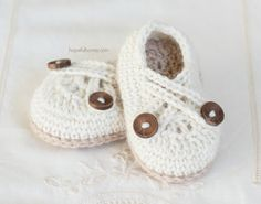 CROCHET PATTERN  Swiss Coffee Baby Booties by HopefulHoneyDesigns