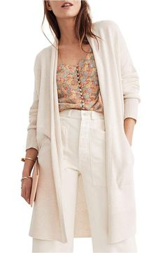 Madewell Rivington Lightweight Cardigan Sweater In Heather Cement Oversized Cardigan, Cardigan Sweaters For Women, Sweater Cardigan, Cardigans, Work Fashion, Fashion Tips, Fashion Design, Photographer Outfit, Spring Fashion Trends