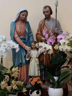 MEDJUGORJE - FESTA DELLA SANTA FAMIGLIA  Sotto la tua protezione cerchiamo rifugio, Santa Madre di Dio: non disprezzare le suppliche di noi che siamo nella prova, ma liberaci da ogni pericolo, o Vergine gloriosa e benedetta.  Giaculatoria Santa Famiglia di Nazareth ti affidiamo le nostre famiglie                                              https://www.facebook.com/radiomaria/photos/a.114016655302960.6655.114014721969820/809945899043362/?type=1
