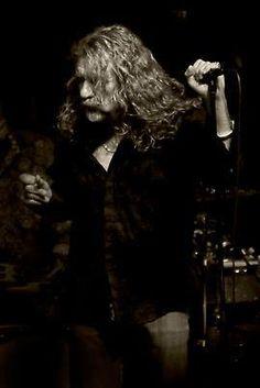 Robert Plant.. awwwwwwwwwwww