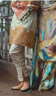 check out that simple yet elegant pakistani trousers Salwar Designs, Blouse Designs, Stylish Dresses, Casual Dresses, Fashion Pants, Fashion Dresses, Women's Fashion, Salwar Pants, Plazzo Pants
