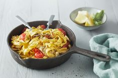 Yhden pannun pasta So Little Time, Pesto, Ethnic Recipes, Kitchen, Foods, Cucina, Food Food, Cooking, Food Items