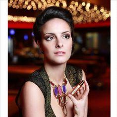 Elegante y Sensual describe muy bien a todos los que poseen un Porta Perfume TRAVALO. Nunca el aroma de tu perfume te abandonará.....