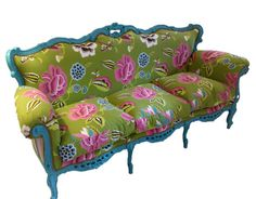 This needs to go in my Bedroom! Beautiful green blossom sofà by NapAtelier on Etsy, €2200.00
