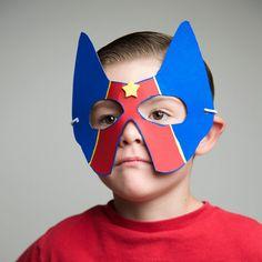 Cereal Box Crafts: Superhero cereal box mask and belt Crafts For Boys, Halloween Crafts For Kids, Halloween Games, Fall Halloween, Hero Crafts, Fun Crafts, Super Hero Day, Cardboard Mask, Footprint Art