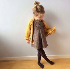 Niña pequeña elegante