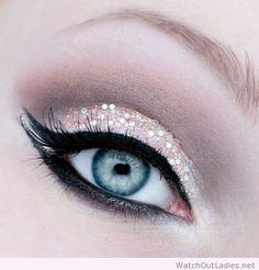 Pale pink glitter eye makeup with double cat eye