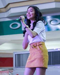 Filipina Actress, Cute Girl Photo, Make Me Smile, Cute Girls, Mini Skirts, Actresses, Lady, Squad, Crushes