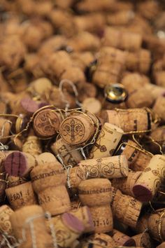 i keep every cork from every bottle of wine i've opened in my house, and snag those that are from evenings/moments/places I love to keep the memories of. Antipasto, Sangria, Wine Photography, Color Photography, Wine Vineyards, Champagne Corks, Vides, Alcohol, In Vino Veritas
