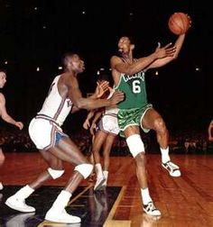 This Day In NBA History: 1966 - Bill Russell is named Boston Celtics coach, becoming the first African American head coach of an NBA team. Celtics Basketball, Basketball Legends, Sports Basketball, Basketball Players, Basketball Jones, Basketball Pictures, Boston Celtics, Bill Russell, Exercises