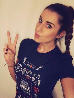 """Valentina Vignali vi aspetta al Corso Full Immersion """"Social Media Friends"""" Programma completo su: http://www.jcomitaliaacademy.it/programma_social-media-friends ✆Infoline: +39 080.557.69.87 ✉Email: info@jcomitaliaacademy.it"""