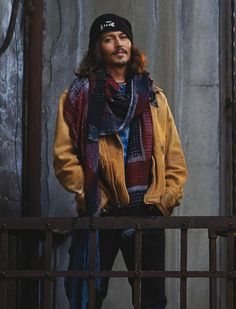 Johnny Depp More Its style is unique and that makes it even more special ! Johnny Depp Fans, Here's Johnny, Kentucky, Beautiful Men, Beautiful People, Gentleman, Johny Depp, Captain Jack Sparrow, Raining Men