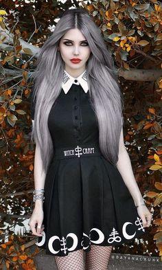 Gothic Model Dalyana Crunk  Shop Gothic Clothing on www.blue-raven.com / Craquez pour nos vêtements et bjioux gothiques sur Blue Raven! #Gothique #Goth #Girl