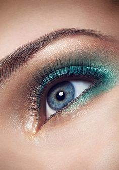 Go bold with you eye look!