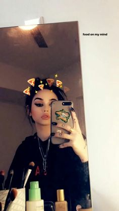 Maggie Lindemann Ideas For Instagram Photos, Instagram Pose, Instagram Story Ideas, Best Friend Pictures, Girl Pictures, Girl Photos, Snapchat Selfies, Snapchat Girls, Snap Girls