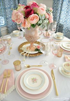 super ideas for bridal brunch table setting center pieces Mesas Shabby Chic, Blue Shabby Chic, Shabby Vintage, Vintage Bridal, Vintage Floral, Chic Bridal Showers, Bridal Shower Tables, Bridal Shower Tea, Brunch Mesa