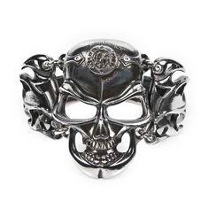Metal Gothic metal skull bracelet www.attitudeholland.nl