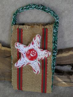 Items op Etsy die op Holiday Gift Bags from Recycled burlap for Christmas or Halloween (choose one or both) lijken Gifts For Nature Lovers, Christmas Door, Handmade Christmas, Gift Bags, Happy Holidays, Cyber, Holiday Gifts, Burlap, Totes
