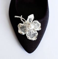 Bridal Shoe Clips Pearl Crystal Rhinestone Shoe Clips by LXdesigns, $33.00