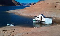 the Y-knot houseboat... would love to have had this on Lake Powell, where the San Juan river is dammed and some of the best fly-fishing in the country