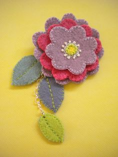 Harujion Design: Wool project 2019 Harujion Design: Wool project The post Harujion Design: Wool project 2019 appeared first on Wool Diy. Felted Wool Crafts, Felt Crafts, Fabric Crafts, Felt Embroidery, Felt Applique, Felt Flowers, Fabric Flowers, Felt Brooch, Brooch Pin
