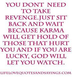 Karma has a way of always paying you back for the things you say or do that hurt other people. I hope that karma will not treat you as bad as you did me. Karma Frases, Karma Quotes, Me Quotes, Motivational Quotes, Funny Quotes, Inspirational Quotes, Karma Sayings, Quotes About Karma, Son Sayings