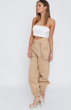 Your other pants might start getting a little lonely now the I.AM.GIA Cobain Cargo Pants Tan are here! They are just stealing the show with their high waisted,