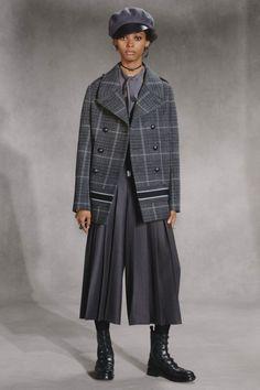 Christian Dior #VogueRussia #prefall #fallwinter2018 #ChristianDior #VogueCollections