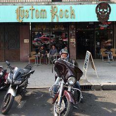 #customrockista #luxurylifestyle #cafe #cafeespecialidad #hario #laroma #alvaroobregon #cdmx #78motorco #rubyhelmet #uglybrosusa #deerskin #7eye #lilsjoesleather #cdmx #indianmotorcycle #harley #bmw #caferacermexico #caferacer #redwingheritage #lasmariasmc #73moto #esculturasriders #miercolesdemcs #moetchandon #1000millasx24hrs http://ift.tt/20b7VYo