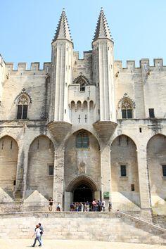 Palais des Papes, Avignon, Provence, France.