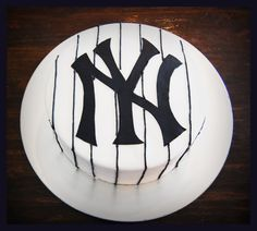 new york yankees cake my mom would love this