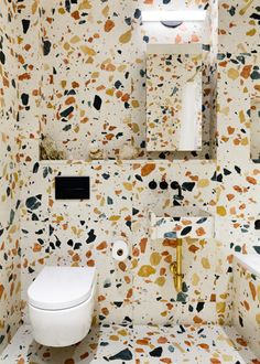 Each bathroom incorporates pieces from the Marmoreal Bathroom Furniture series designed by Max Lamb.<br />
